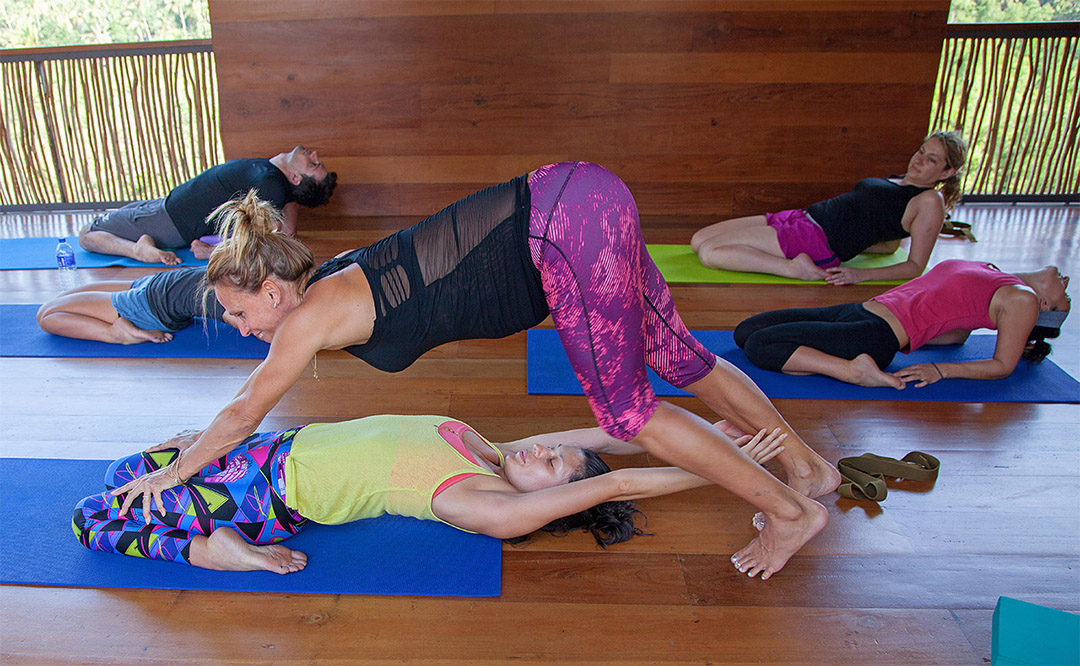 Jasmine Hemsley . Quantum Yoga